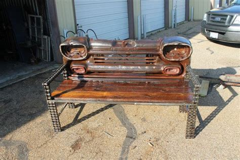 truck bed bench who made the bench out of the rear of a truck bed the