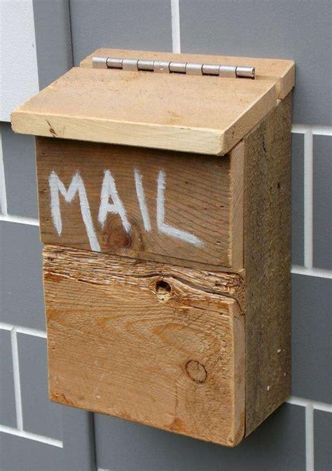 cassetta lettere legno idee originali per personalizzare la cassetta della posta