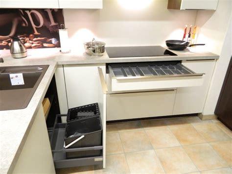 zeitgenössische küchen mit weißen schränken k 252 che moderne k 252 che dunkel moderne k 252 che dunkel at