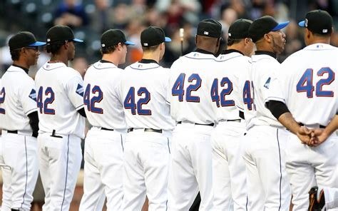 major league baseball honors jackie robinson