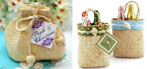 Pengocok Telur Mini Warna Warni berbagai ide unik yang kamu jadikan souvenir pernikahan