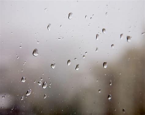 Fenster Beschlagen Innen by Kondenzwasser Kann Sich Schnell Innen An Fensterscheiben
