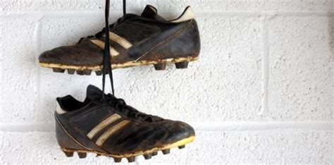 how to clean football shoes how to properly clean football boots to make them last