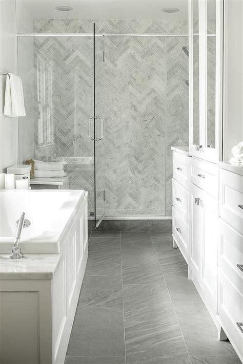 best 25 marble tile bathroom best 25 travertine bathroom