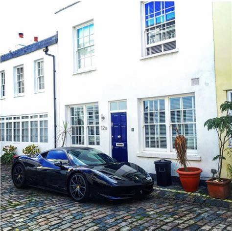 island millionaire brake shows his luxury
