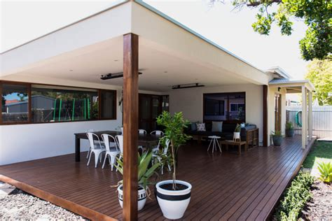 attached house patio backyard ceiling ground level deck