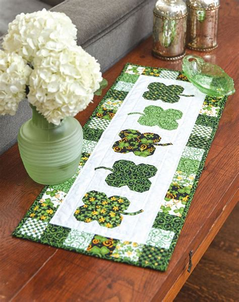 s day table runner 25 best ideas about quilted table runners on