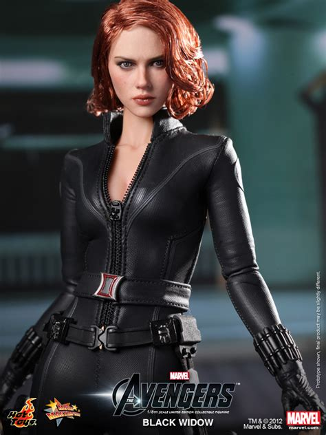 black widow hot hot toys black widow from the avengers