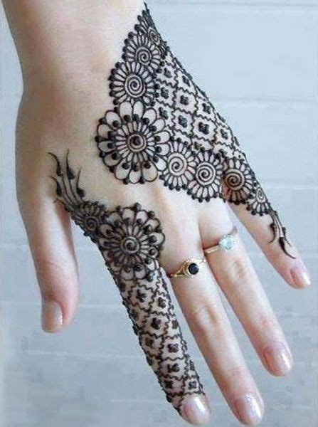 cool henna tattoo designs 25 best ideas about mehndi design on