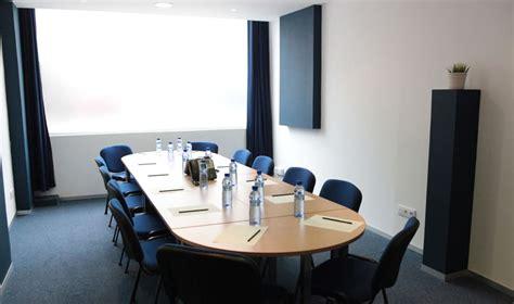 sala de reuniones barcelona sala reuniones 9 h aulas formaci 243 n por horas sbc