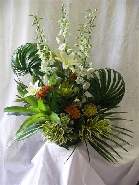 floral arrangements centerpieces 41 best images about tropical arrangements on pinterest tropical colors florists and flower