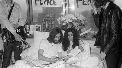 john lennon bed in brandchannel fairmont hotels recreates john and yoko bed in for peace in virtual reality
