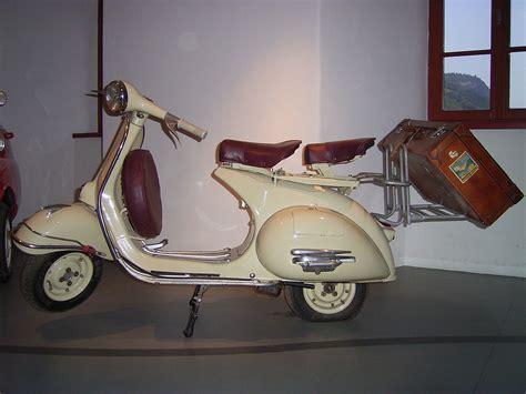 Roller 50ccm Kaufen Neu Schweiz by Datei Zweisitzer Vespa Jpg Wikipedia