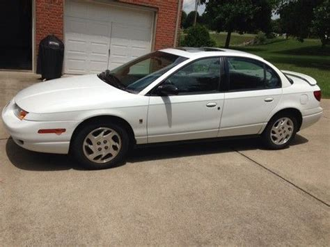 2002 saturn 2 door buy used 2002 saturn sl2 base sedan 4 door 1 9l in