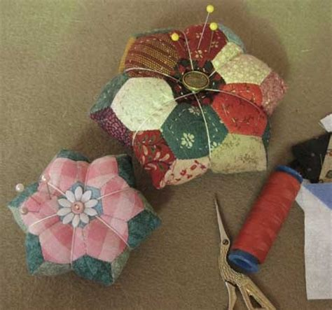 Patchwork Pincushion Pattern - 1000 images about hexagon pincushions on