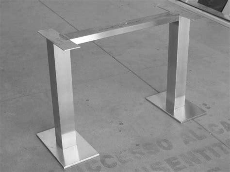 base tavolo acciaio inox satinato base per tavolo con piastre photo