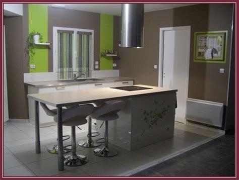 cuisine peinte en vert immense cuisine 224 re d 233 corer et 224 peindre page 2