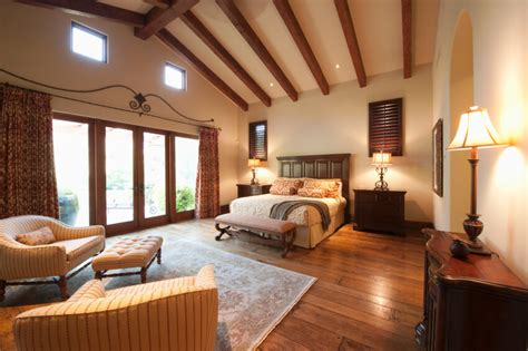 bedroom rugs for hardwood floors 38 gorgeous master bedrooms with hardwood floors