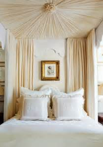 Canopy Bed Linens Curtains 25 Beautiful Canopy Beds