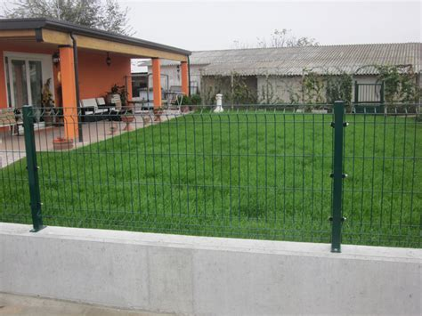 recinzioni giardino rete metallica recinzione recinzioni metalliche in rete elettrosaldata plastificata