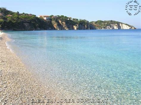 spiaggia delle ghiaie isola d elba spiaggia le ghiaie portoferraio isola d elba