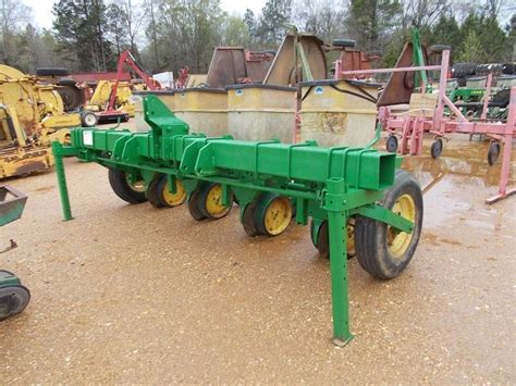 John Deere 4 Row Planter 4 Row Planter