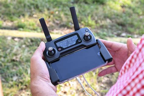 djis  mavic pro drone folds   fits   palm