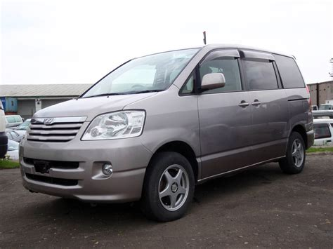 Toyota Naoh 2002 Toyota Noah Pictures 2 0l Gasoline Automatic For Sale