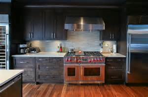 Black Glass Backsplash Kitchen Modern Kitchen Backsplash To Create Comfortable And Cozy Cooking Area Homestylediary