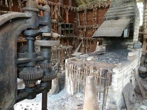 blacksmiths forge  rob farrow cc  sa geograph britain  ireland
