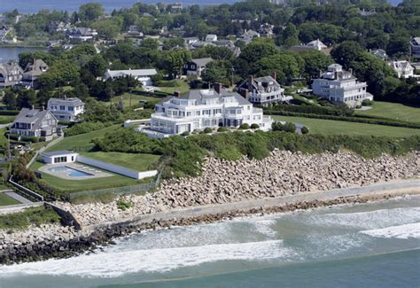 taylor swift rhode island house taylor swift spends big in rhode island variety