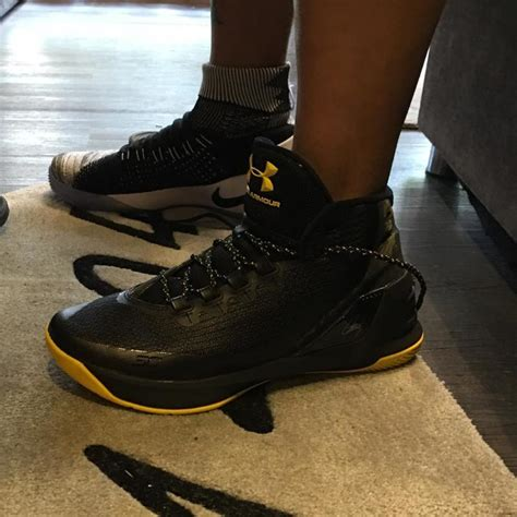 Sepatu Basket Armour Curry 3 High White Silver Premium Import armour curry 3 yellow cheap gt off66 the largest catalog discounts