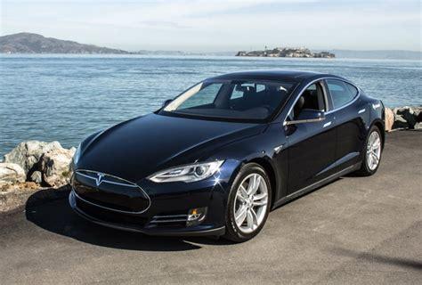Rent A Tesla Chicago автомобиль Tesla научились заезжать в гараж без водителя