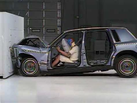si鑒e auto crash test crash test with and without safety belt