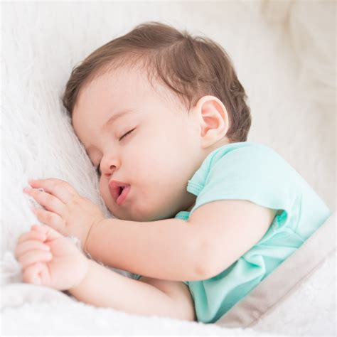 www baby nap transitions how and when your baby will drop their naps