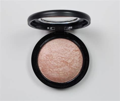 Mac Mineralize Skinfinish Soft Gentle mac soft and gentle ellenismyname