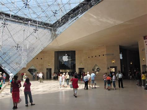 paris apple store panoramio photo of apple store louvre paris