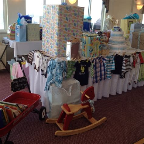 Baby Shower Clothesline Gift by 25 Best Images About Gift Table On Clothes