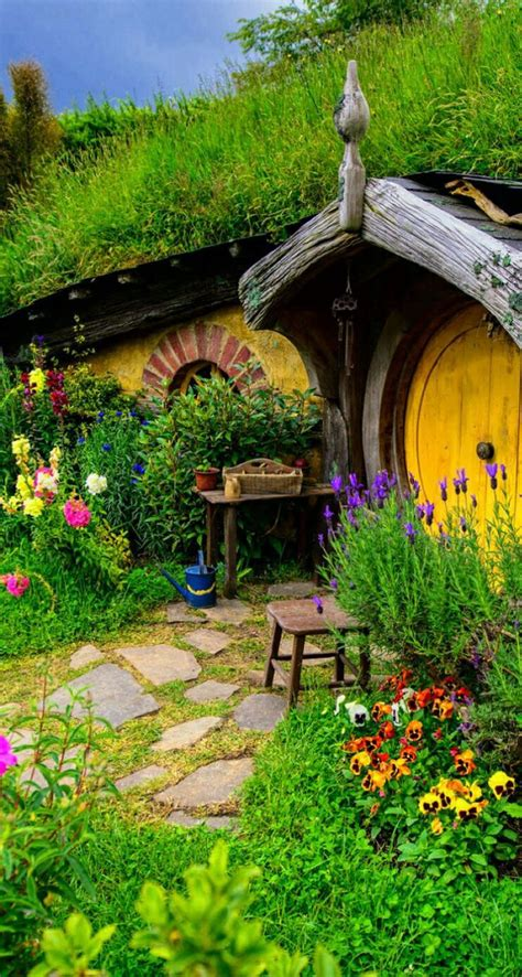 hobbit houses caelum et terra hobbit house wallpapers 66