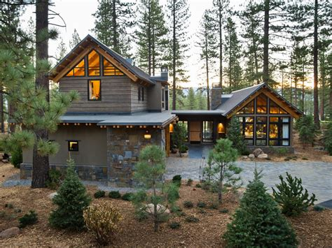 Craftsman 2 Story House Plans Front Yard From Hgtv Dream Home 2014 Pictures And