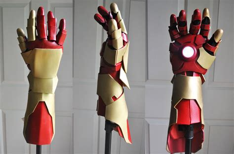 How To Make Iron Gloves Out Of Paper - iron gauntlet by raquelquiros
