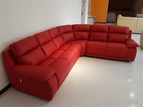divano pelle rosso divano in pelle spessorata rosso rubino