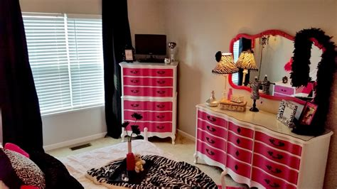 hot pink bedroom decor growing into a hot pink bedroom decor designs inc