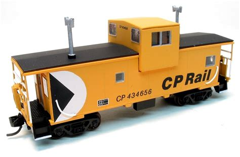 Cp N n scale cp caboose roach custom painting