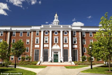 Harvard Mba Fees For International Students by Record Number Of Students Studying In The Us After