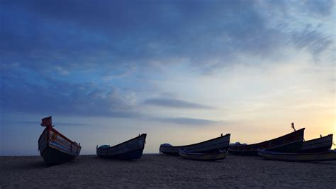 kerala fishing boat news fishing boats in azhimala beach thiruvananthapuram