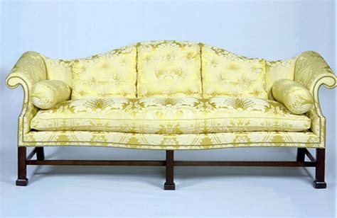 Settee Wiki File Chippendale Mahogany Camel Back Sofa Diplomatic