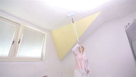 Based Ceiling Paint by Person Paint Ceiling With Water Based Color