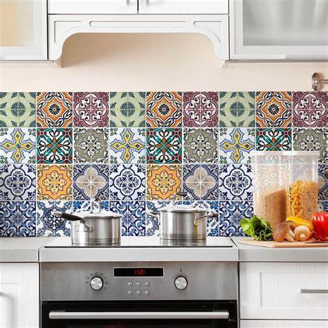 piastrelle cucina design piastrelle adesive per cucina 30 tipi di rivestimenti in