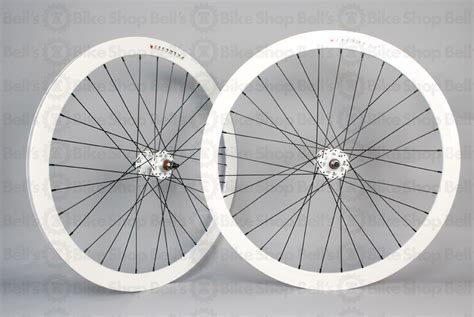 Rims Velocity Fusion 32h 700c White for sale white velocity b43 front wheel lfgss